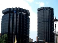 Sede de la Caixa con el logotipo de CaixaBank.