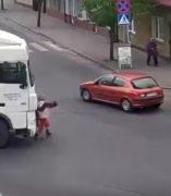 Atropellada por un camión