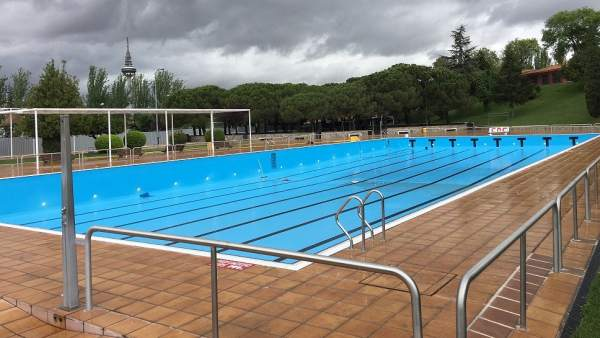 Cinco piscinas municipales retrasan su apertura por obras for Piscinas municipales zaragoza 2017