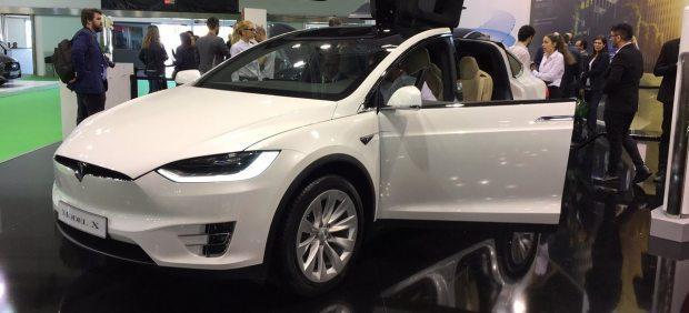 Tesla presenta el Model X