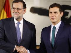 Rajoy y Rivera acuerdan empezar a negociar los presupuestos para 2018