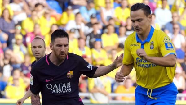 Messi y Roque Mesa