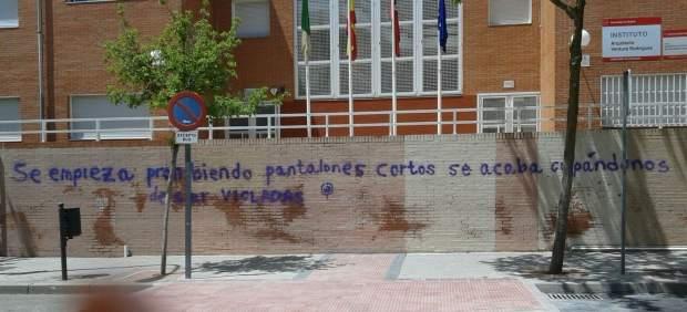 Pintadas en el instituto Ventura Rodríguez de Boadilla
