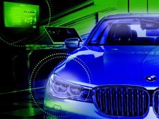Delphi firma un acuerdo con BMW para el desarrollo del coche autónomo