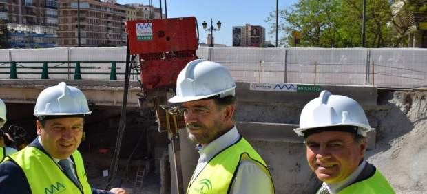 El consjero Felipe López en obras del metro de Málaga
