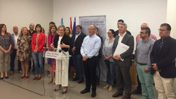 La consellera de Obras Públicas pide financiación estatal para la T2
