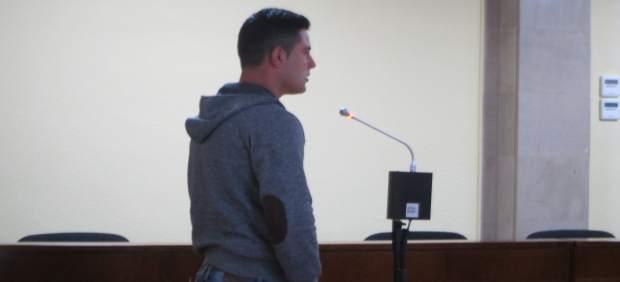 El joven acusado prestando declaración