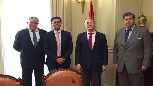 El alcalde de Granada en la reunión con el CGPJ para las nuevas salas del TSJA