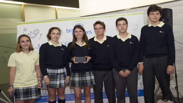 Estudiants valencians guanyen un premi per crear excusats que identifiquen malalties
