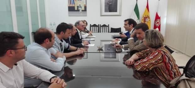 Fernández-Pacheco reunido con empresarios locales