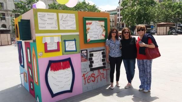 La Generalitat celebra el Dia dels Museus amb un cub gegant al centre de València, Alacant i Castelló
