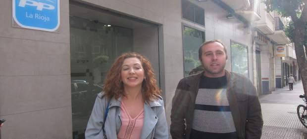 Carreño y Mendiola comparecen ante los medios frente al PP La Rioja