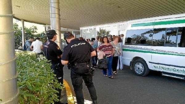Agentes de Policía en el Hospital Torrecárdenas