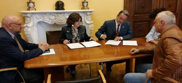Broto y Sánchez Quero han firmado este viernes el acuerdo de colaboración
