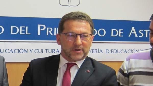El consejero de Educación y Cultura, Genaro Alonso