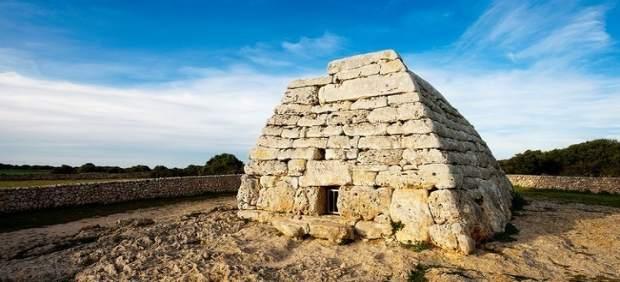 Naveta dels Tudons en Menorca