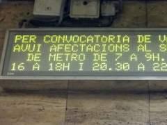 Aglomeraciones, menos viajeros y cortes de vías durante la huelga del metro