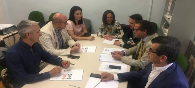 Reunión de PP y trabajadores sobre la situación de la justicia
