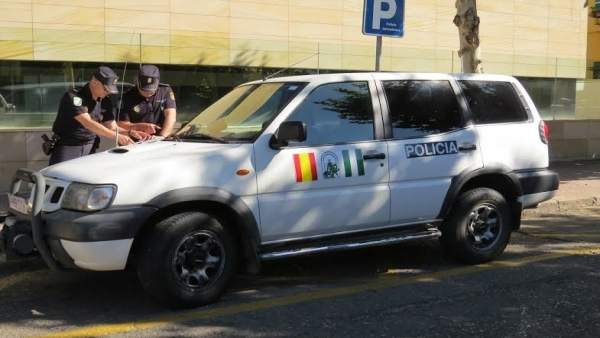 Patrulla de la Policía de la Junta
