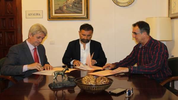 La Fundación Cepsa Renueva Su Apoyo Al Patronato Municipal De Deportes De Moguer