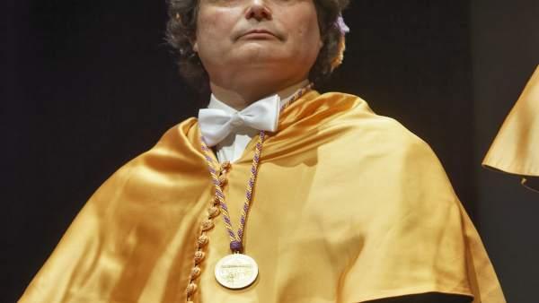 Jordi Garcés és investit doctor honoris causa per la UJI per les seues contribucions en les ciències socials