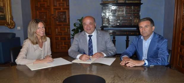 Convenio entre la Diputación de Córdoba y Vinavin