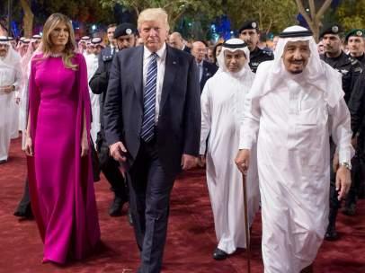 Donald Trump y su mujer, Melania, visitando Arabia Saudí.