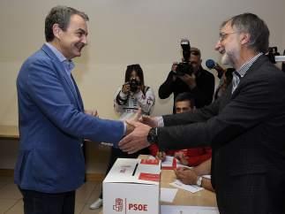 Zapatero vota en León