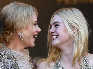 Elle Fanning y Nicole Kidman.