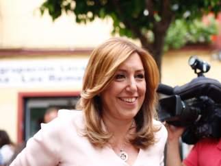 Susana Díaz tras votar en las primarias en la sede del PSOE de Triana