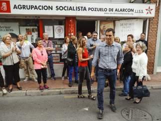 Pedro Sánchez gana las primarias a Susana Díaz en toda España, salvo en Andalucía