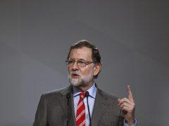 """Rajoy descarta un adelanto electoral y dice que no ha llamado a Sánchez para """"no molestarle"""""""