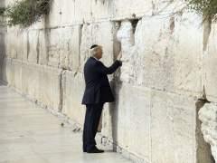 Trump, primer presidente de EE UU que visita el Muro de las Lamentaciones