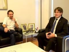 Iglesias habla por teléfono con Puigdemont tras visitar a Junqueras