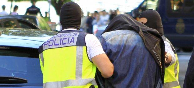 Uno de los dos yihadistas detenidos en Madrid intentaba sacarse la licencia de camiones