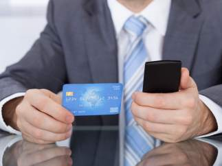El efectivo resiste al avance del pago 'online'
