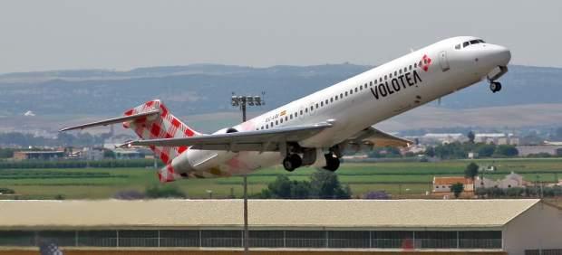 Un avión con destino Santander tiene que regresar a Sevilla por un problema técnico