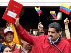 Maduro inicia el proceso para aprobar una nueva constitución