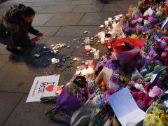 Flores por las víctimas de Mánchester