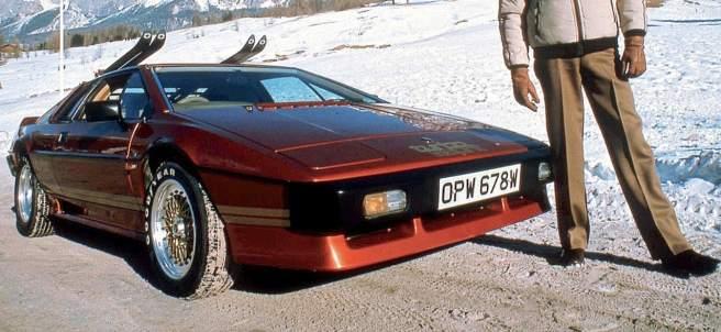 Los coches que Roger Moore condujo como 007