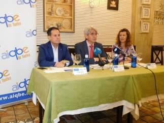 Presentan el concurso 'Cocinando ConCiencia'.
