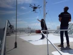 Empresas vascas trabajan en un plan con drones y satélites para la detección de vertidos en el mar