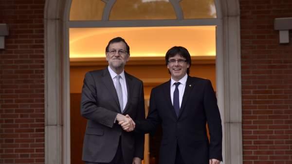 Puigdemont envía la carta a Rajoy del referéndum