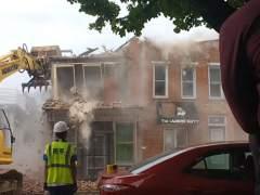 La demolición de un edificio sale mal