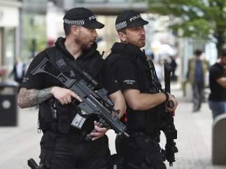 Agentes de policía británicos