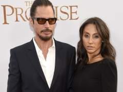 """La viuda de Chris Cornell: """"Lamento que estuvieras solo"""""""
