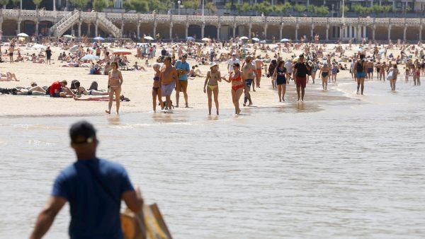 La playa de la Concha, como en verano