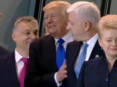 El empujón de Trump para destacar en la foto de la OTAN
