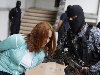 'La Patrona', custodiada por la Policía salvadoreña