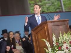 Escucha y lee el discurso completo de Zuckerberg en Harvard
